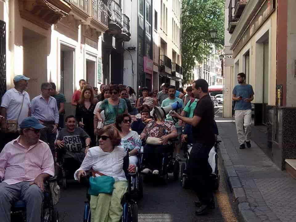Manifestaciones multitudinarias protestando por los derechos humanos y la lucha por la igualdad